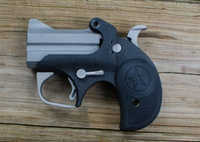 The primary controls of the Backup are a crossbolt safety located just forward of the hammer and the barrel release lever behind the trigger.