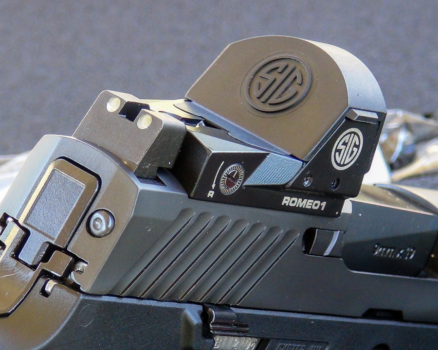 For the author, the ROMEO1 seemed like a natural extension of the P320.