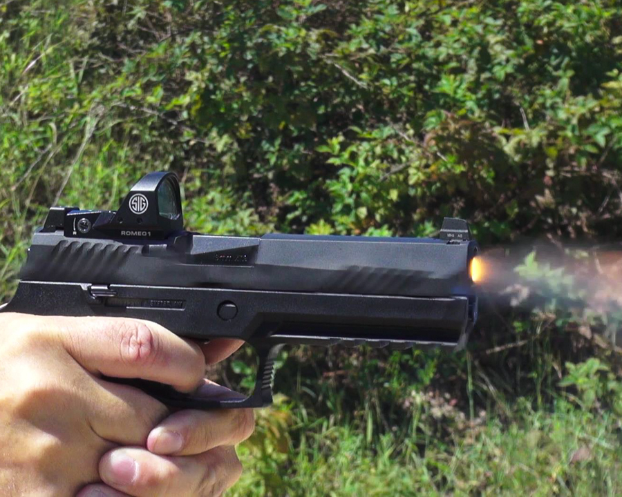The P320 Series are natural shooters. Adding the ROMEO1 only increases the fun.