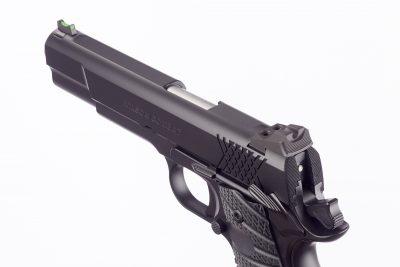 The pistol comes with Wilson Combat's BattleSight t hat features a U-shaped notch rear unit.
