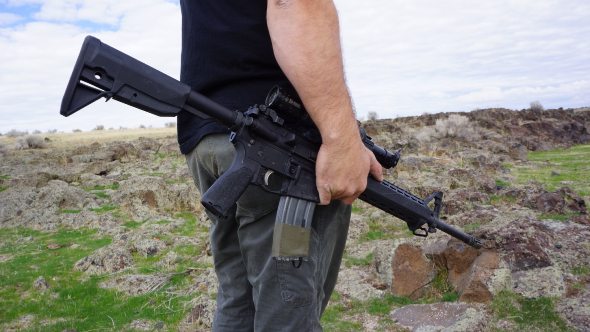 The author found the new Saint to be a great carbine-style AR for a really good price.