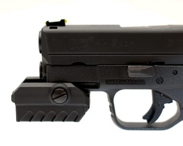 The MantisX can be reversed for mounting on short rail sections found on compact and sub-compact handguns.