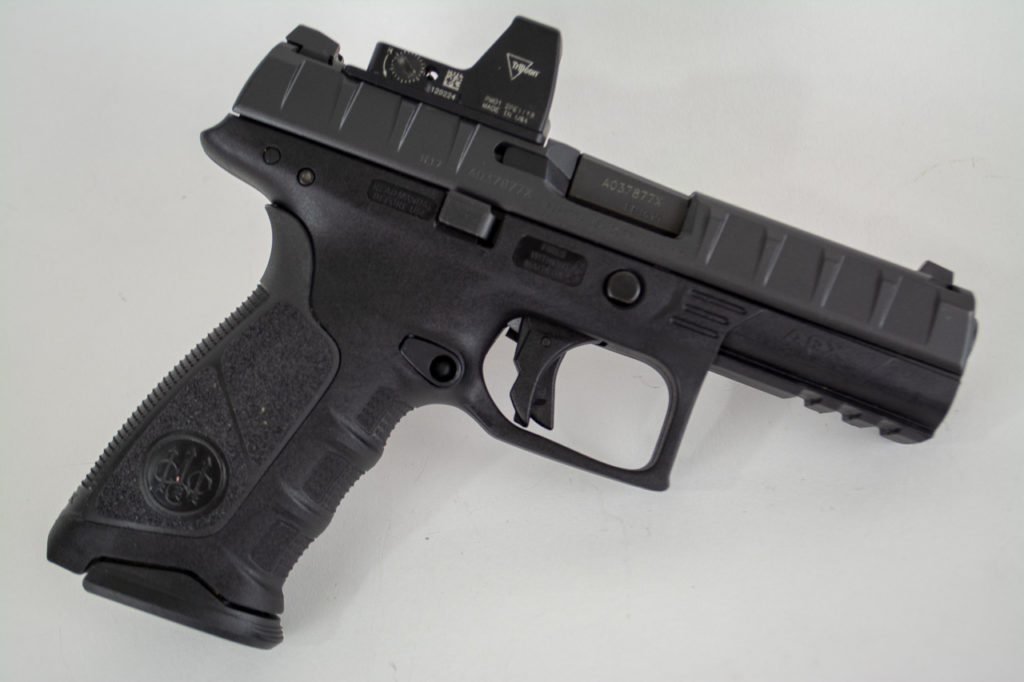 The Beretta APX RDO is virtually identical to the standard except for the slide cutout and optics mounting plates.