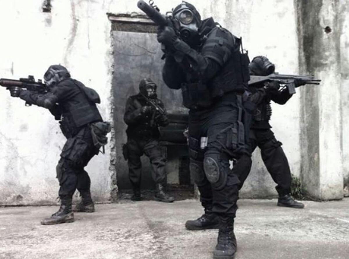 22 SAS and the Benelli M4 Shotgun
