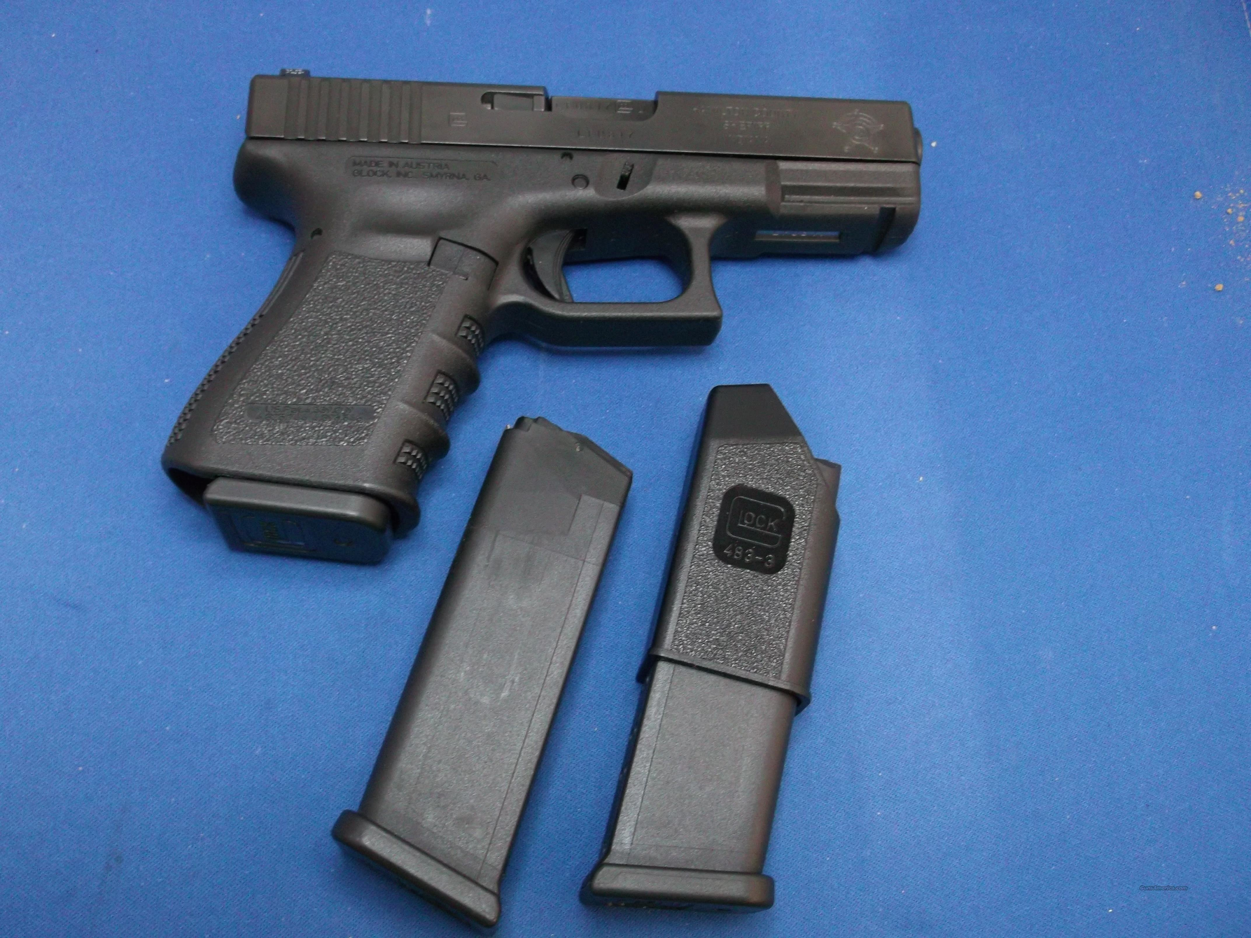 Glock 23, .40 S&W, 3 Mags, Night sights  Guns > Pistols > Glock Pistols > 23