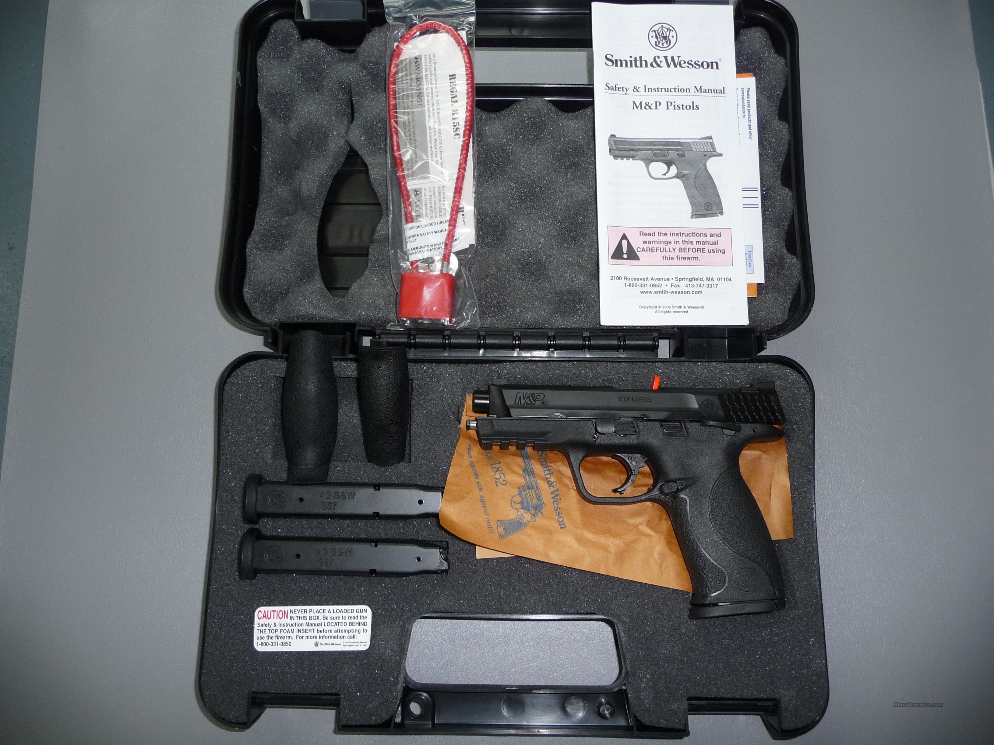 NEW Smith & Wesson M&P .40 Caliber S&W Pistol  Guns > Pistols > Smith & Wesson Pistols - Autos > Polymer Frame