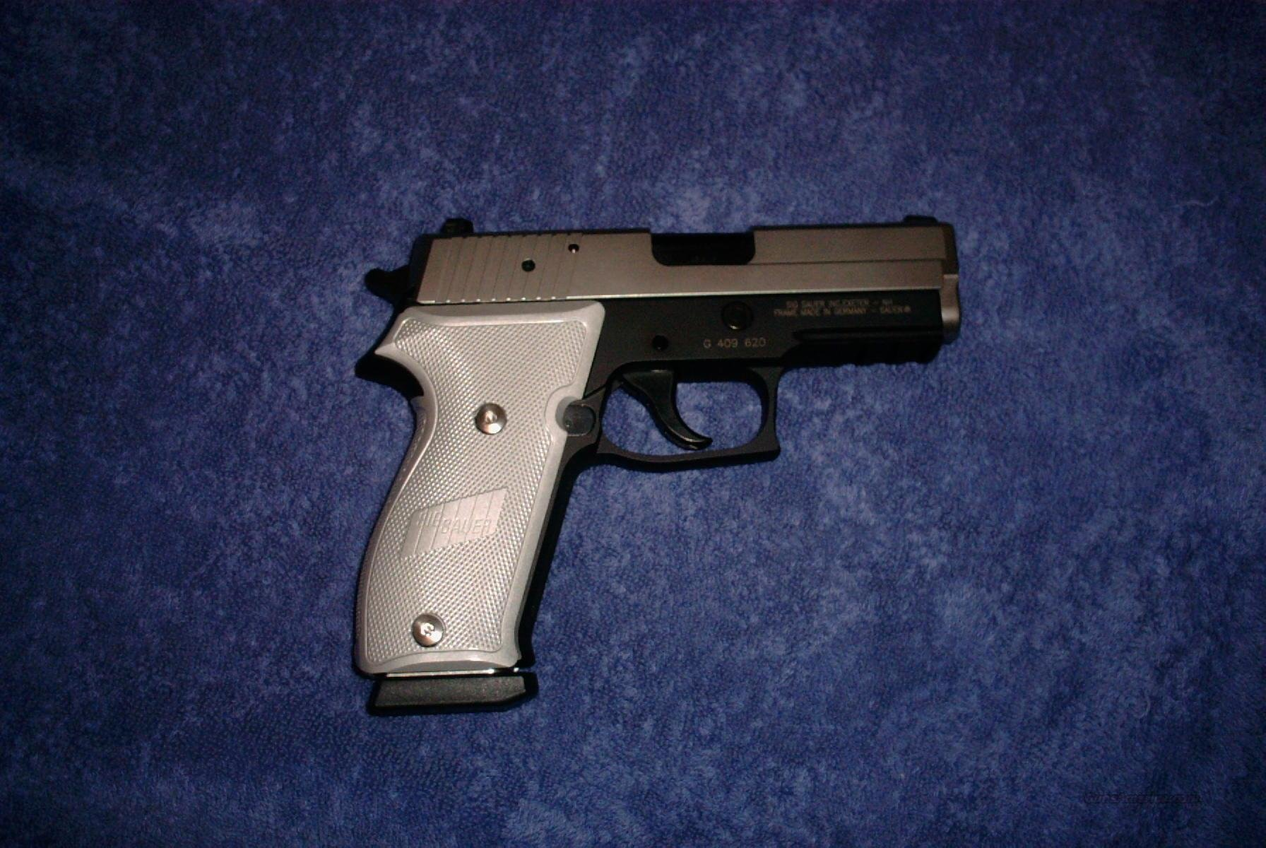 Sig 220 Carry in stainless over black  Guns > Pistols > Sig - Sauer/Sigarms Pistols > P220