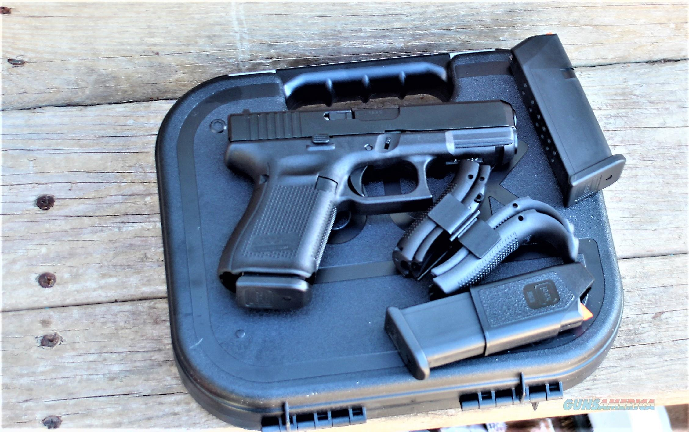 Sale EASY PAY $56 DOWN LAYAWAY 12 MONTHLY PAYMENTS GLOCK 19 G19 G-19 conceal and carry  GEN5 Compact GRIP BLK Fixed sights 9MM LUGER FS 15 SHOT BLACK GEN 5 FULL SIZE GLK BLACK POLYMER SIGHTS FIXED  3 15 RD SHOT Magazines PA1950203  Guns > Pistols > Glock Pistols > 19/19X