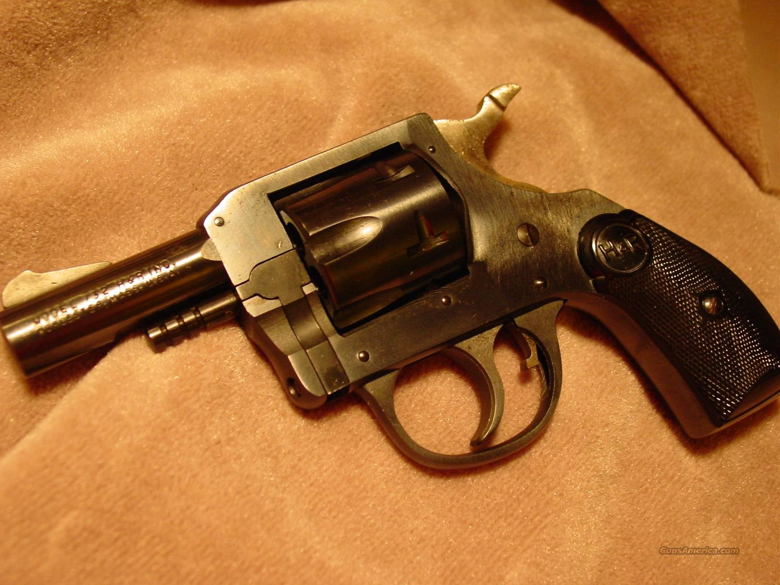 H & R Harrington & Richardson Model 732 SIDEKICK Revolver  Guns > Pistols > Harrington & Richardson Pistols