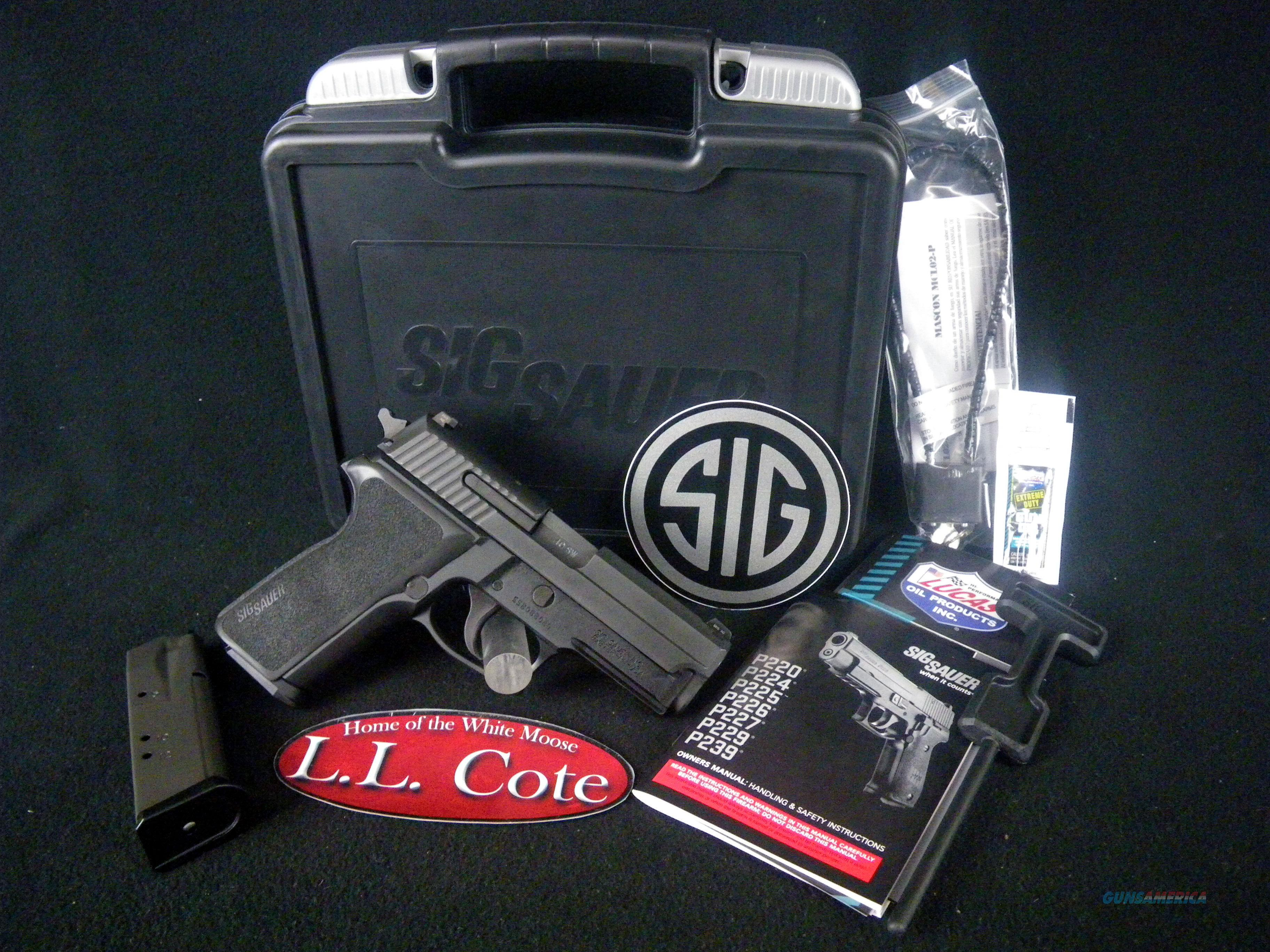 "Sig Sauer P229 Nitron Compact 40S&W 3.9"" Black NEW E29R-40-BSS  Guns > Pistols > Sig - Sauer/Sigarms Pistols > P229"