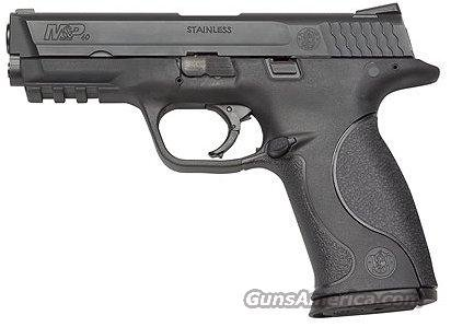 Smith & Wesson M&P .40 w/ four 15rd. Mags - Like New - FREE Shipping!!!  Guns > Pistols > Smith & Wesson Pistols - Autos > Polymer Frame