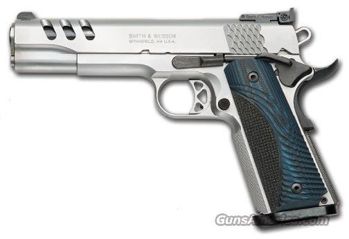 Smith & Wesson 1911 Performance Center Pistol 170343, 45 ACP, 5 in, Wood Grip, Stainless Finish, 8 Rd  Guns > Pistols > Smith & Wesson Pistols - Autos > Steel Frame