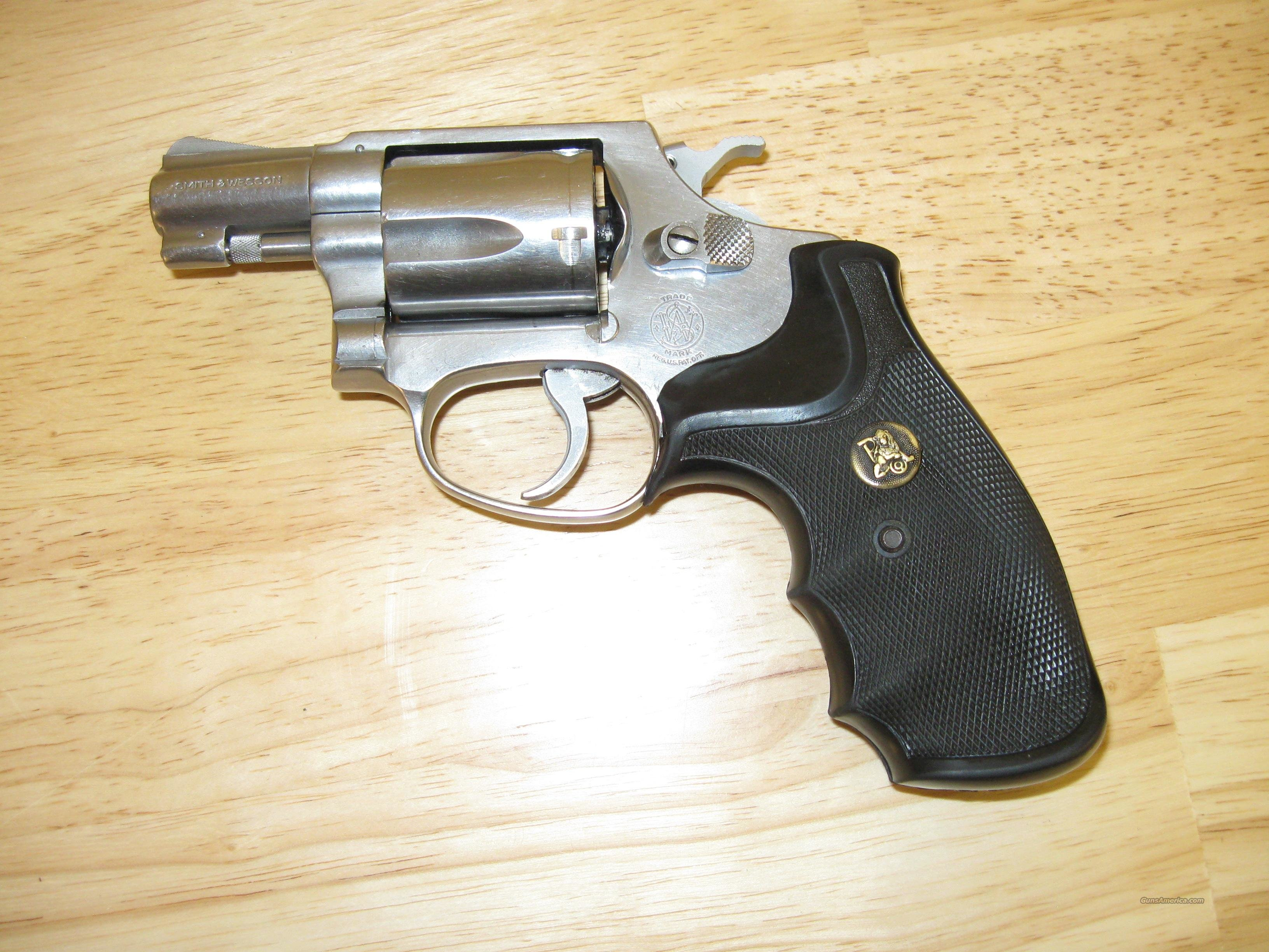 1974-1977 Smith and Wesson Model 60 Chiefs special .38sp  Guns > Pistols > Smith & Wesson Revolvers > Pocket Pistols