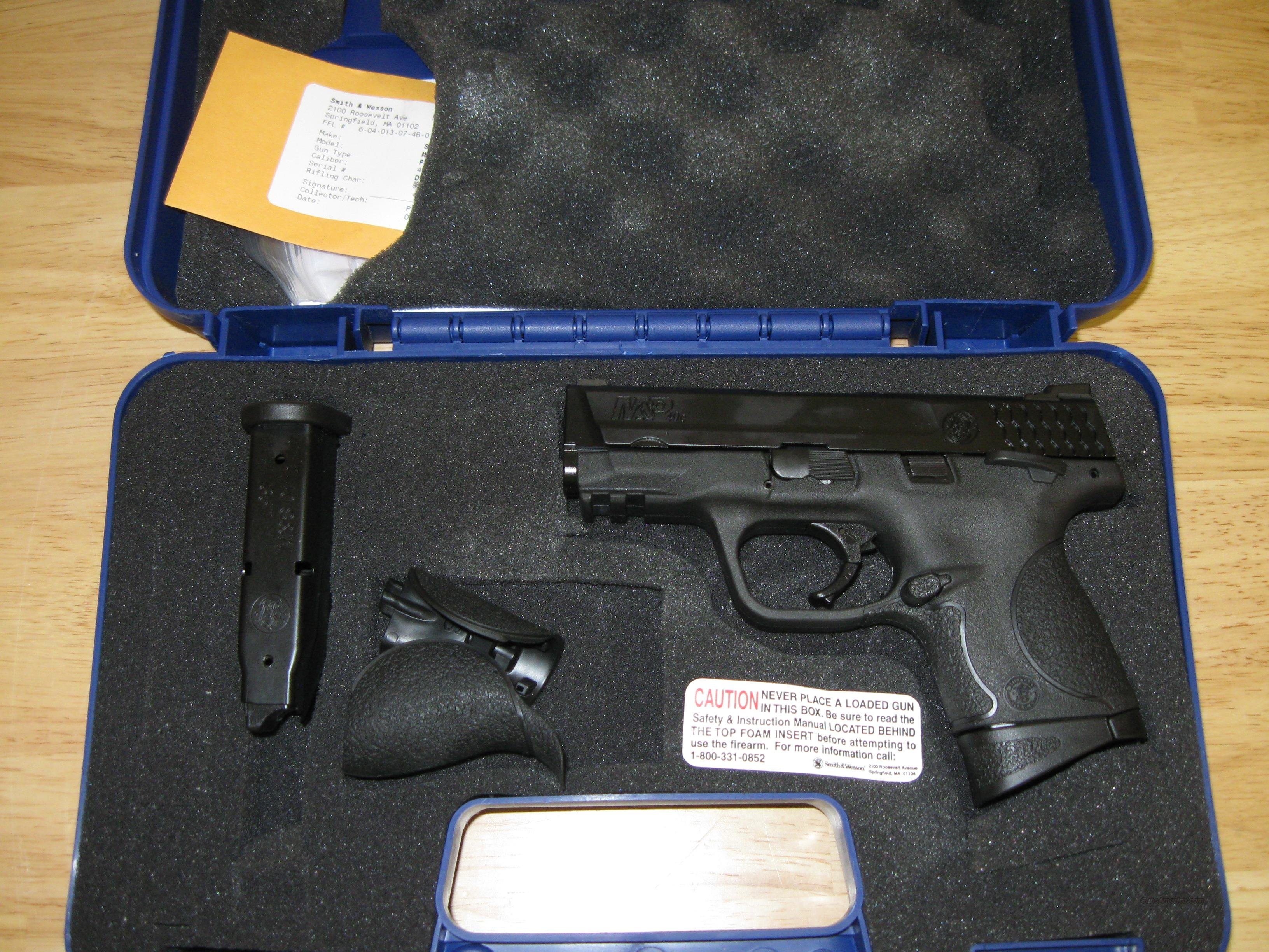 Smith & Wesson M&P 40C Compact Semi-Auto Pistol 106303, 40 S&W, 3.5 in, Black Synthetic Grip, Black Finish, 10 Rd, Ambi Safety  Guns > Pistols > Smith & Wesson Pistols - Autos > Polymer Frame