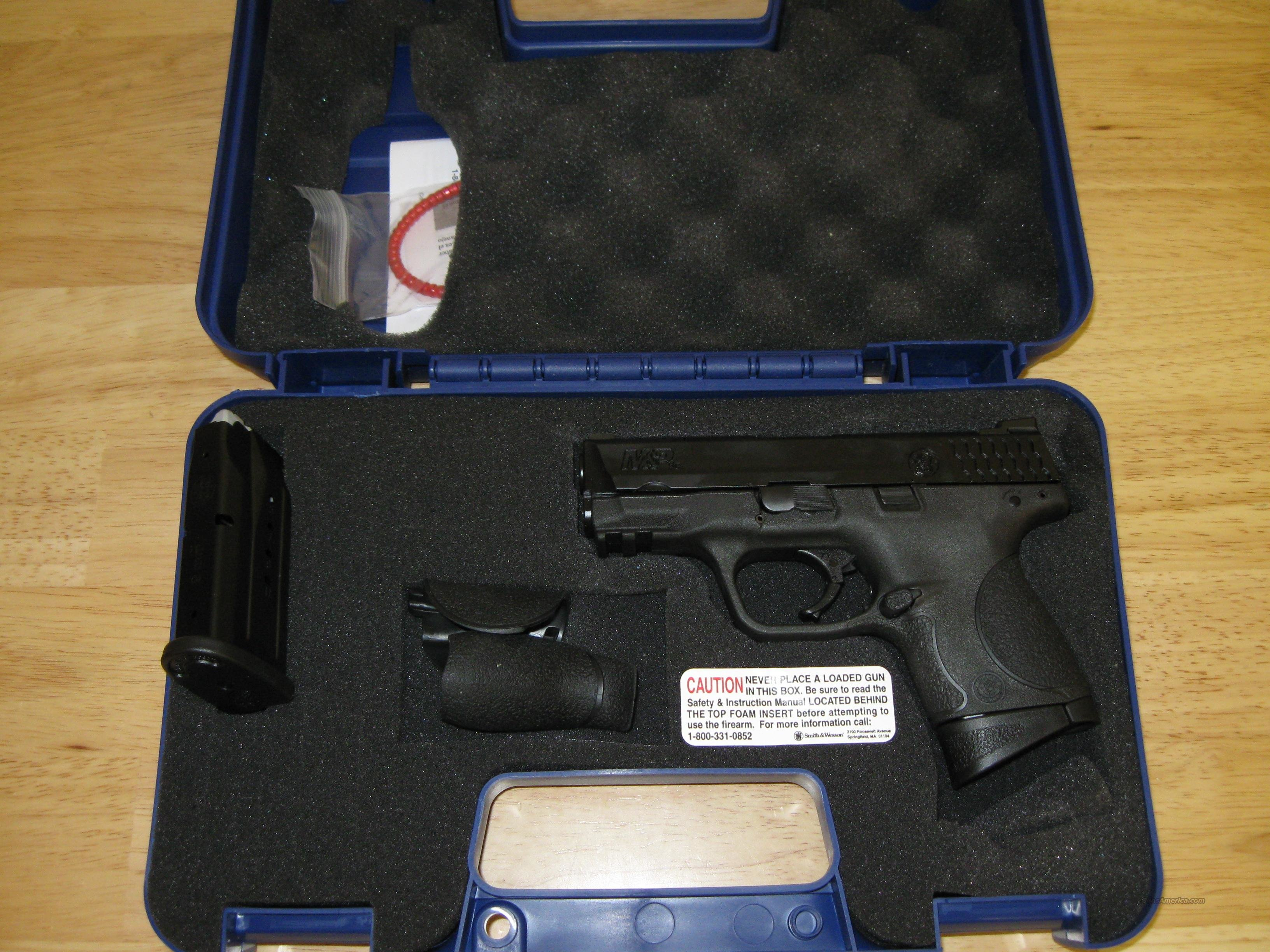 "Smith & Wesson Model M&P 9C Pistol 209304, 9mm, 3-1/2"", Palmswell Grip, Black Frame / Melonite BBBL & Slide, 12 Rd, Dbl Action Only  Guns > Pistols > Smith & Wesson Pistols - Autos > Polymer Frame"