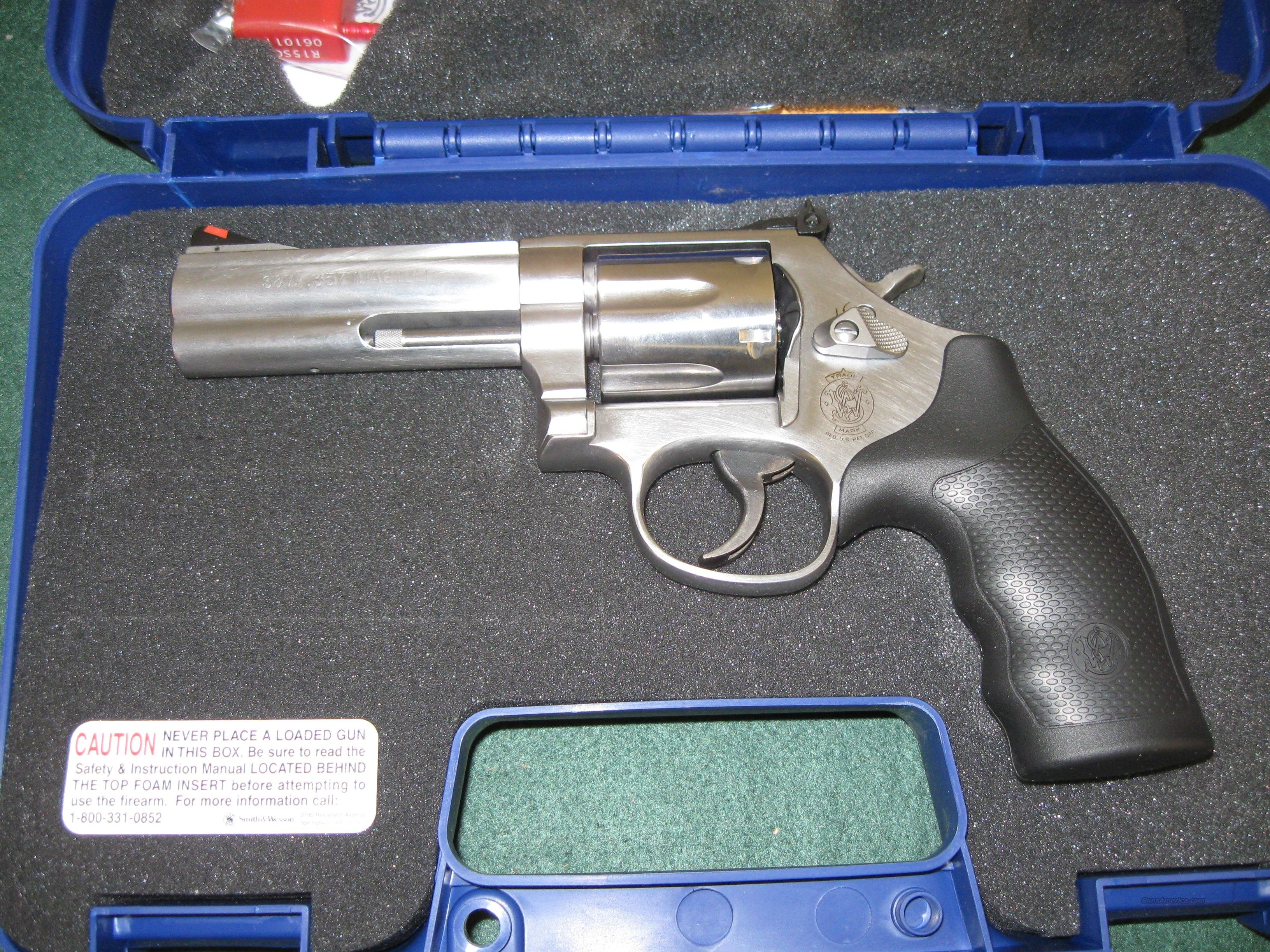 "Smith & Wesson Model 686 Revolver 164222, 357 Remington Mag, 4"", Rubber Grip, Stainless Finish, 6 Rd, Red Ramp, White Outline Sights  Guns > Pistols > Smith & Wesson Revolvers > Full Frame Revolver"