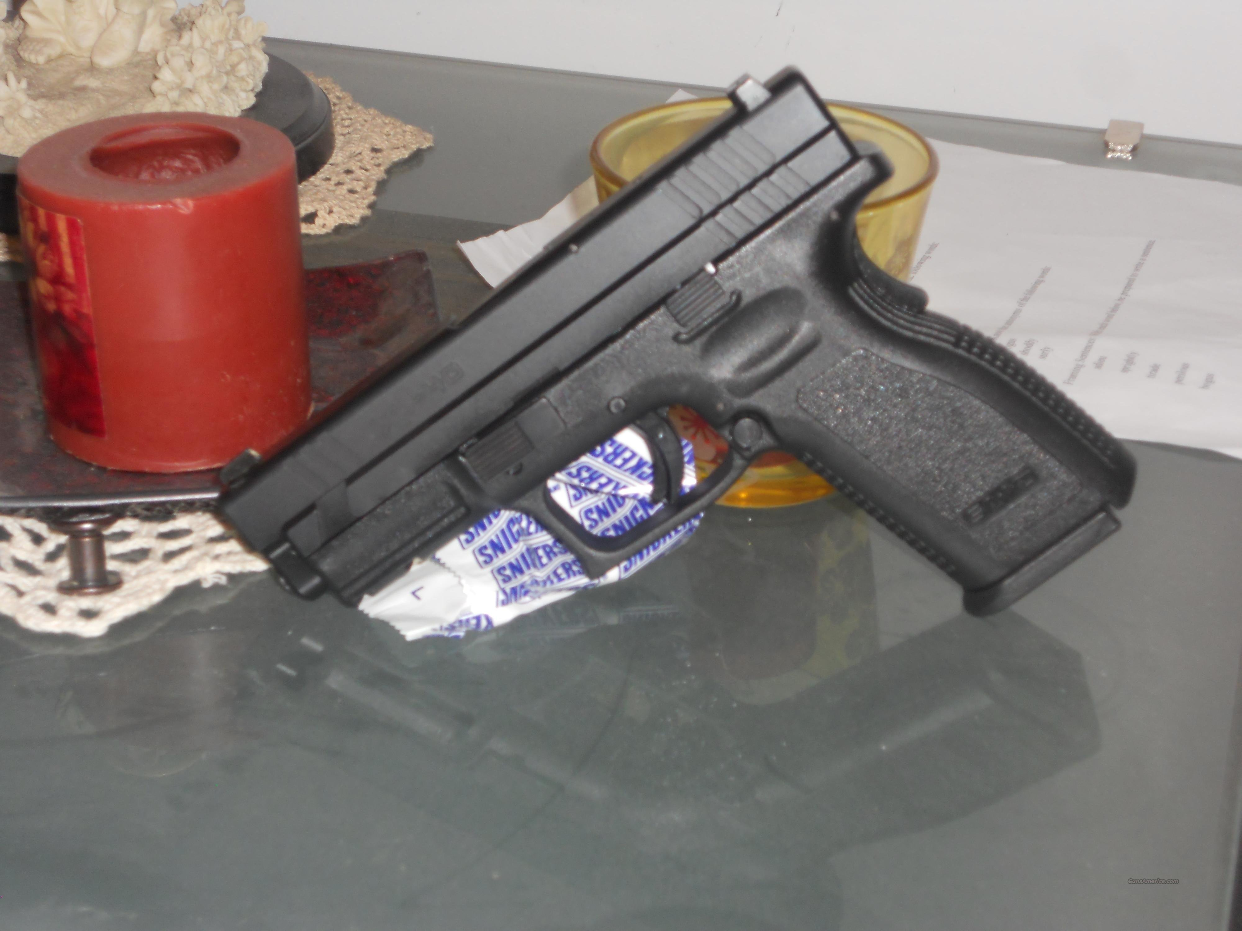 "Springfield XD .40 4"" model w/ Tritium Sights  Guns > Pistols > Springfield Armory Pistols > XD (eXtreme Duty)"