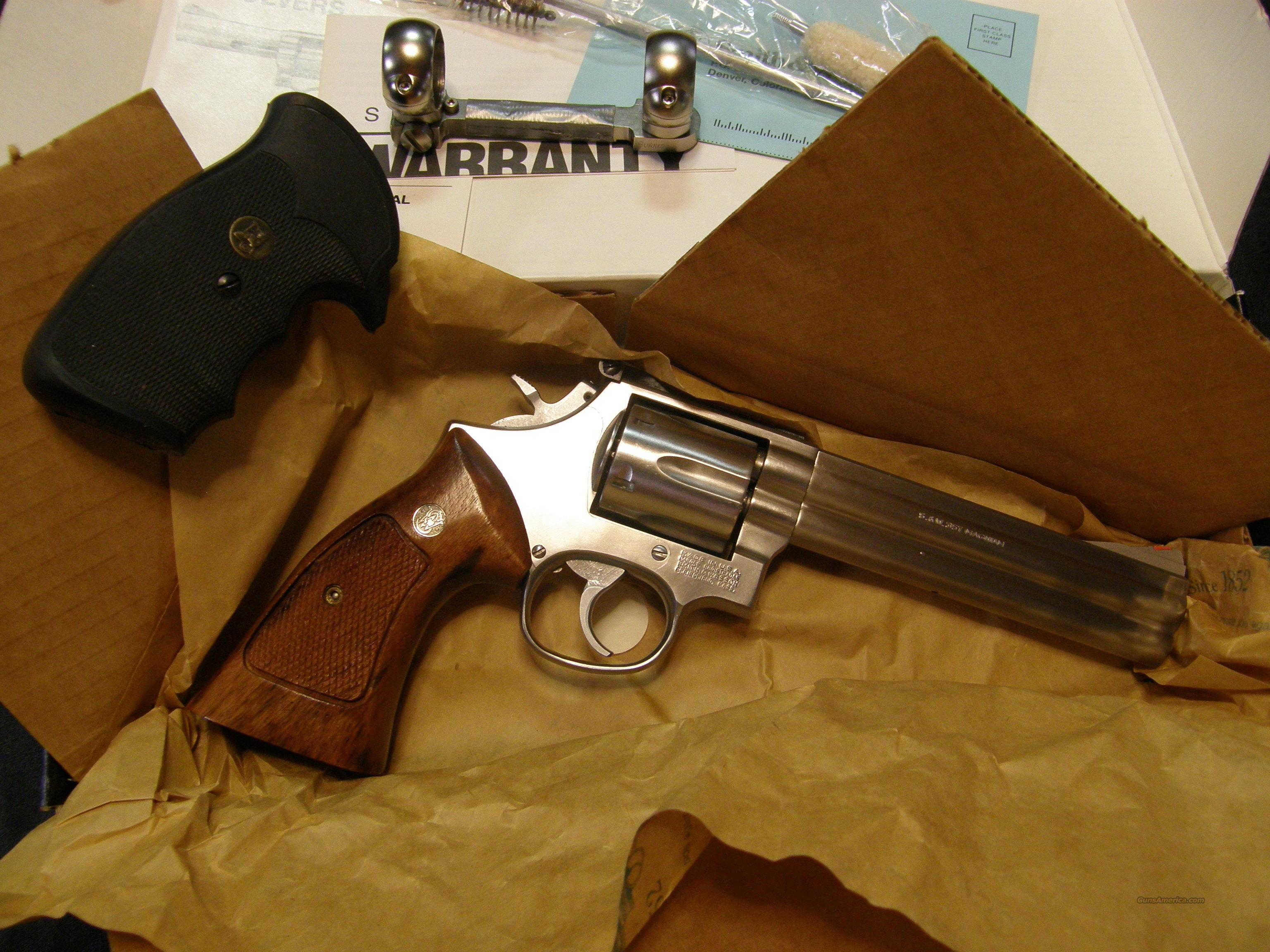 S&W 686 Distinguished Combat Magnum  Guns > Pistols > Smith & Wesson Revolvers > Full Frame Revolver