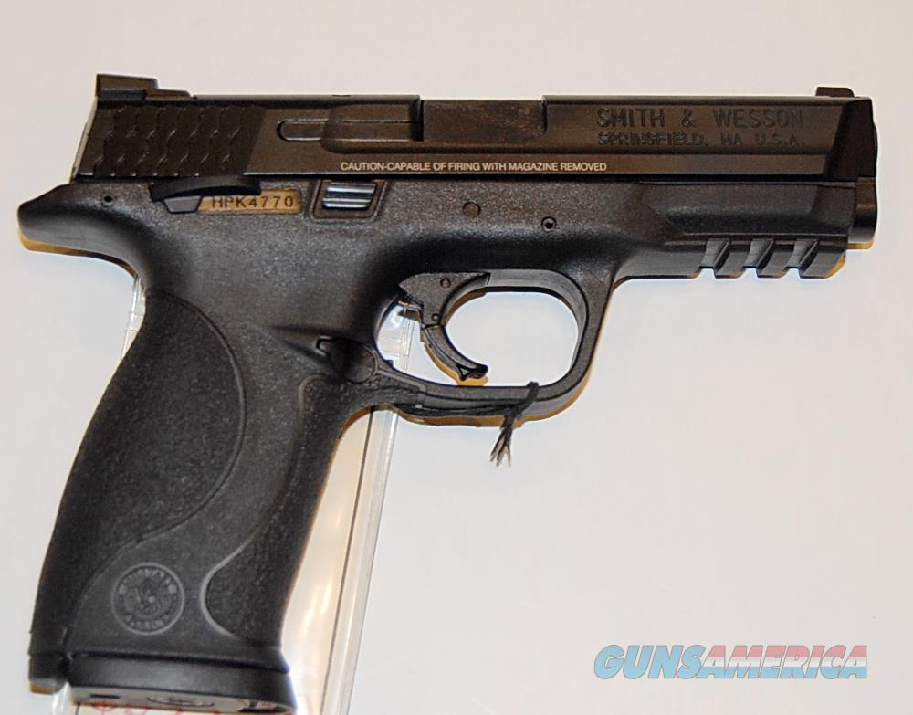 "Smith & Wesson M&P40 Used, 4"" barrel, Excellent Condition  Guns > Pistols > Smith & Wesson Pistols - Autos > Polymer Frame"