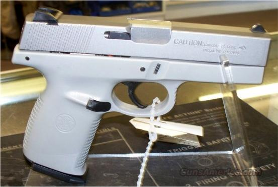 SMITH & WESSON, S&W 40V  Guns > Pistols > Smith & Wesson Pistols - Autos > Polymer Frame