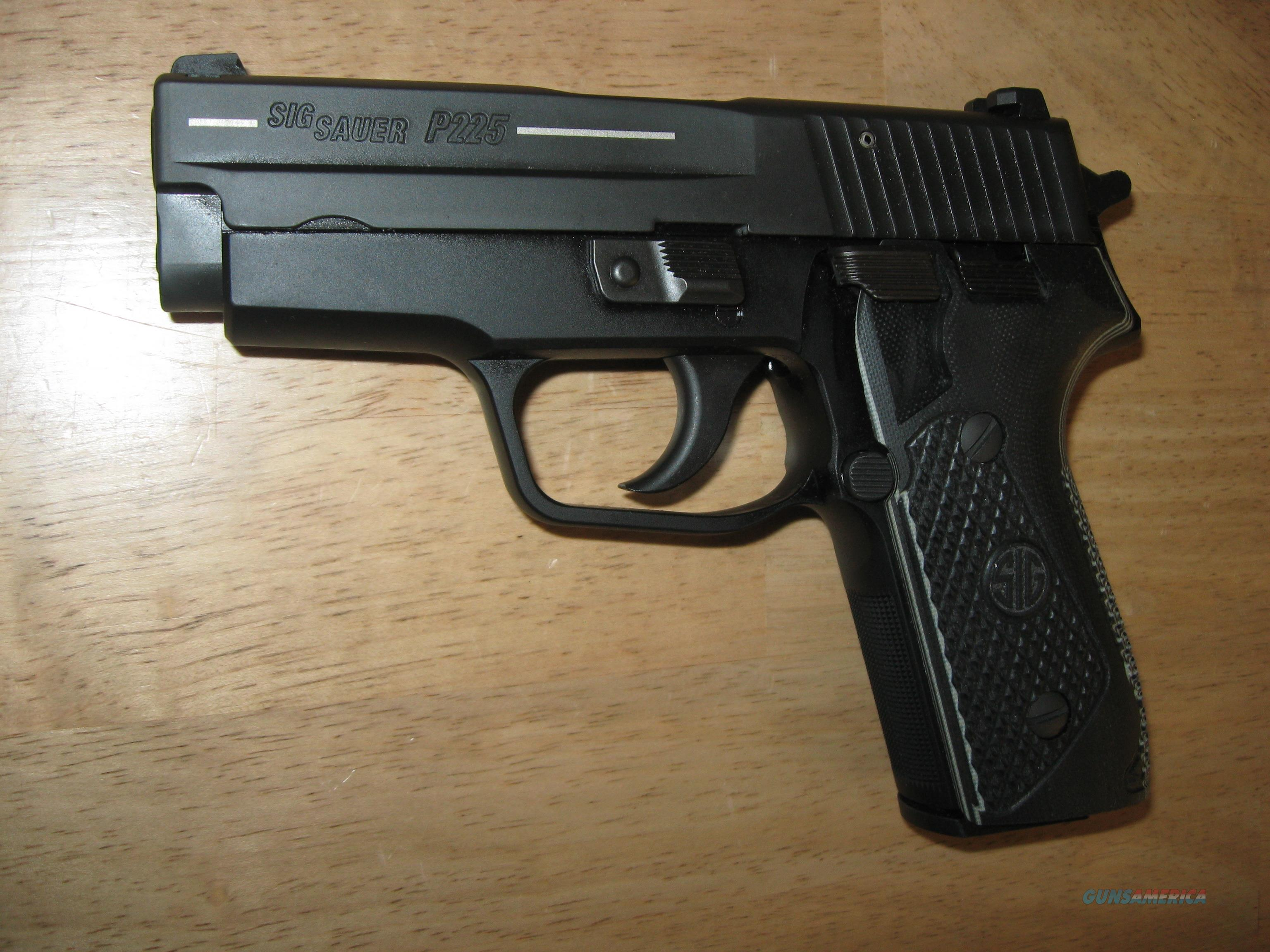 Sig Sauer P225A 9mm Classic Carry 225A-9-BSS-CC /w/ 4 Magazines NIB  Guns > Pistols > Sig - Sauer/Sigarms Pistols > Other