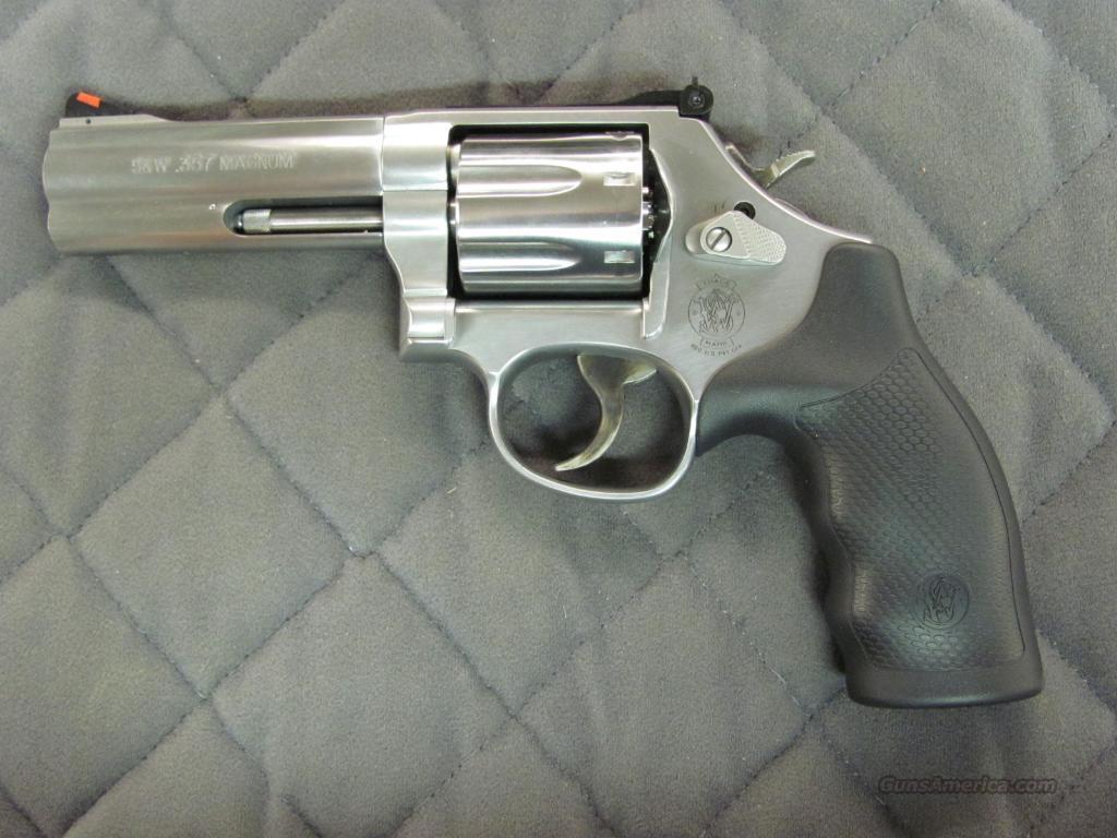 Smith & Wesson Model 686 Plus 4 inch 7 Shot 357 Mag  **NEW**  Guns > Pistols > Smith & Wesson Revolvers > Full Frame Revolver