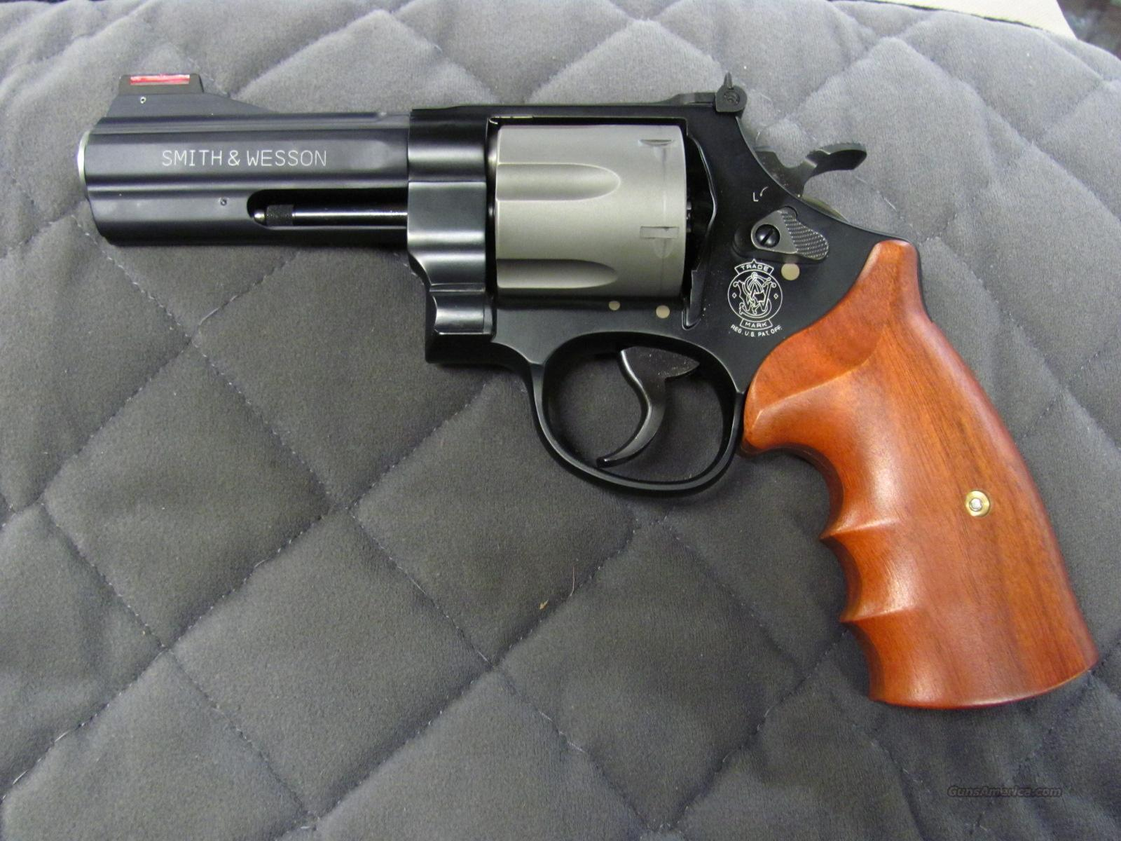 Smith & Wesson Model 329PD 44 Mag  **NEW**  Guns > Pistols > Smith & Wesson Revolvers > Full Frame Revolver