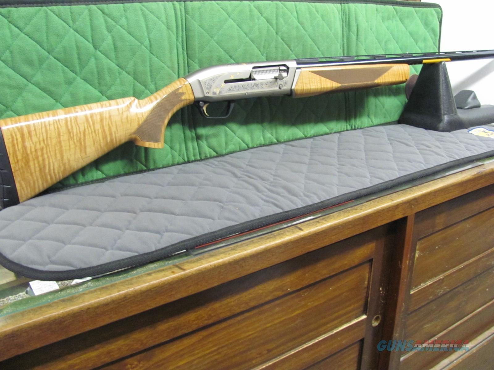 Browning Maxus Sporting Golden Clays Maple 30 Inch  **NEW**  Guns > Shotguns > Browning Shotguns > Autoloaders > Hunting