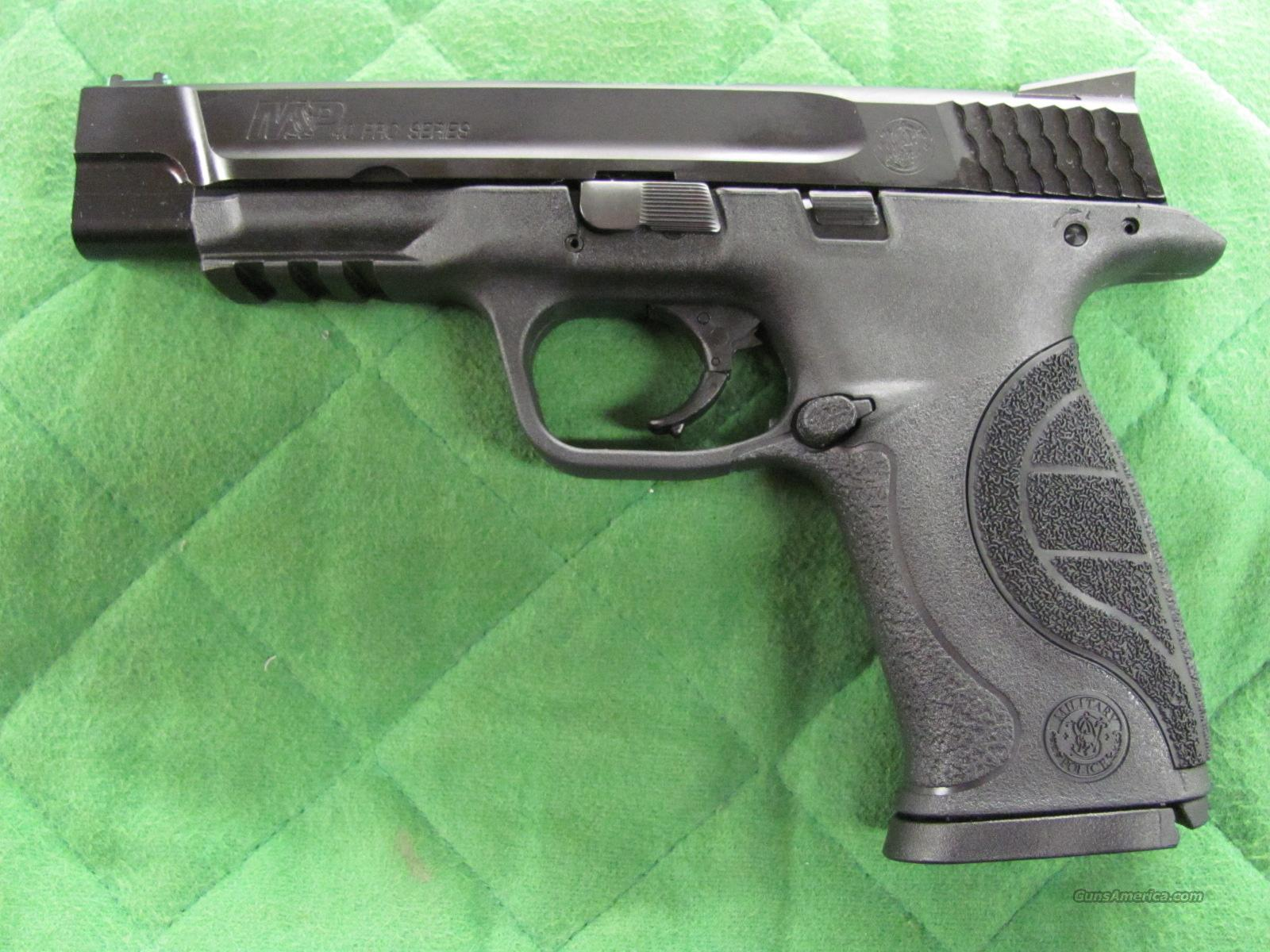 Smith & Wesson M&P 40 Pro Series 40 S&W  **NEW**  Guns > Pistols > Smith & Wesson Pistols - Autos > Polymer Frame