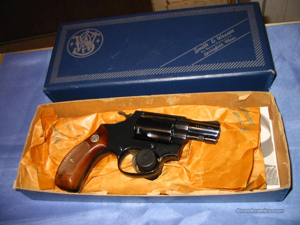 Smith&Wesson Model 36, Like New in the Box Pinned barrell  Guns > Pistols > Smith & Wesson Revolvers > Pocket Pistols