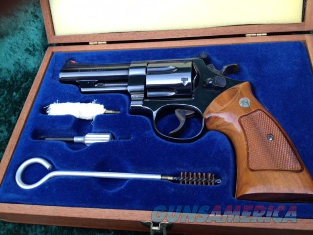 "SMITH & WESSON REVOLVER 29-2 .44 MAG / 44 SPL REVOLVER (3 SCREW) 4"" BARREL IN CASE  Guns > Pistols > Smith & Wesson Revolvers > Full Frame Revolver"