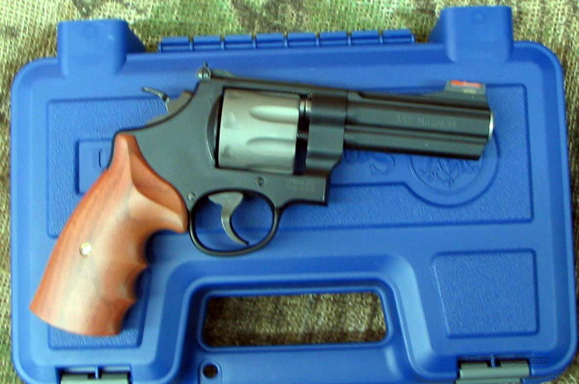 SMITH & WESSON Mod. 327PD, 4 inch bbl., 357 Mag. Rev.  Guns > Pistols > Smith & Wesson Revolvers > Full Frame Revolver