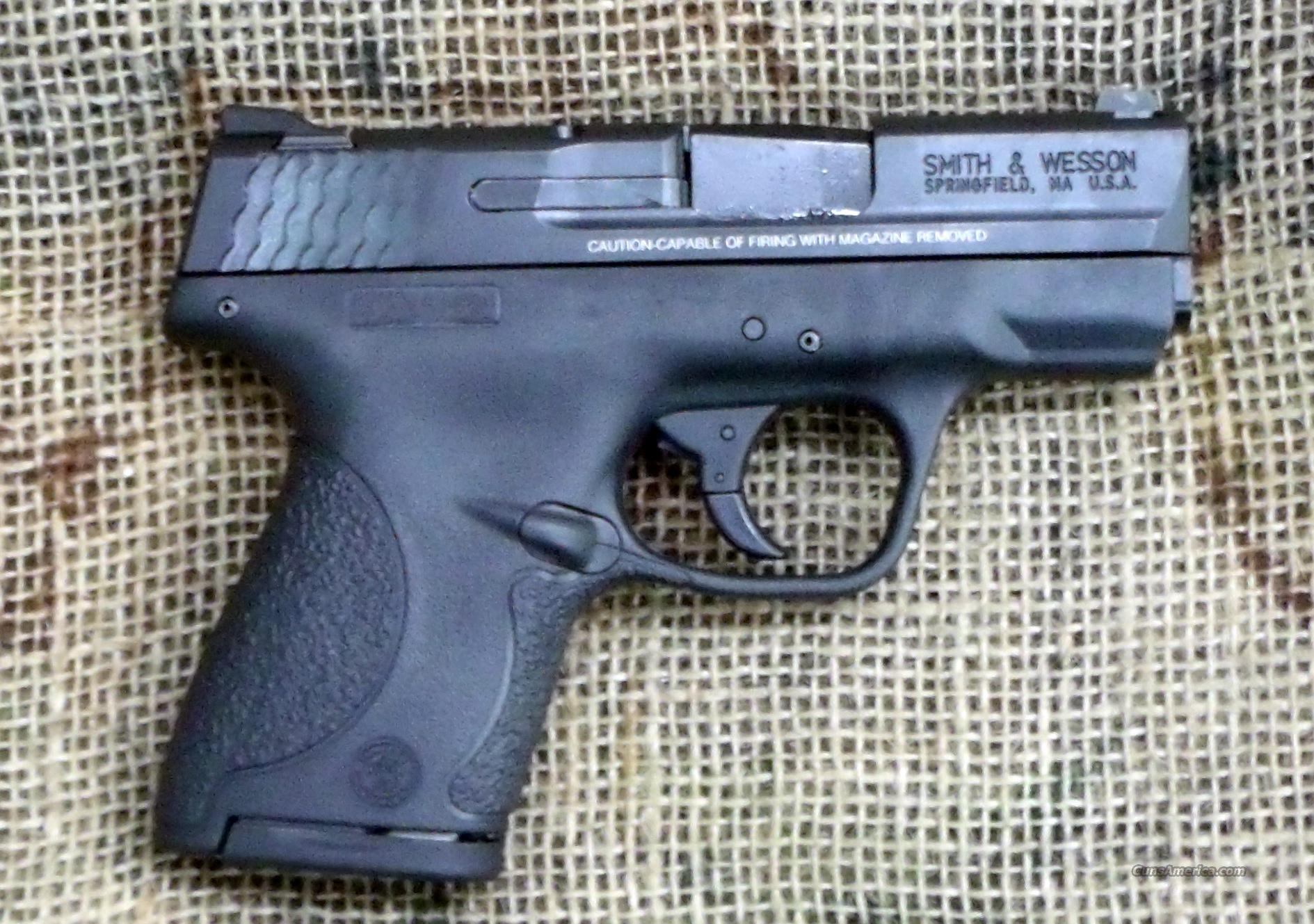 SMITH & WESSON M&P 40 Shield Pistol, 40 S&W Cal.  Guns > Pistols > Smith & Wesson Pistols - Autos > Polymer Frame