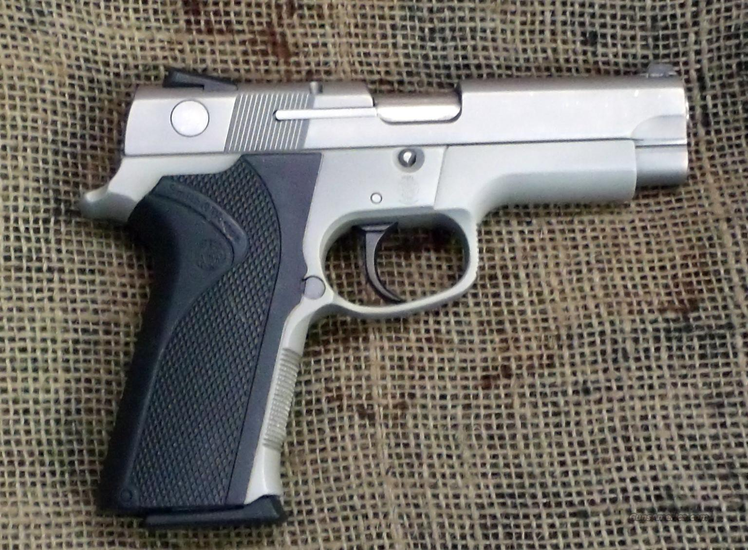 SMITH & WESSON  Model 4043 Pistol, 40S&W Cal.  Guns > Pistols > Smith & Wesson Pistols - Autos > Alloy Frame
