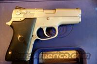 S&W  3913  Guns > Pistols > Smith & Wesson Pistols - Autos > Alloy Frame