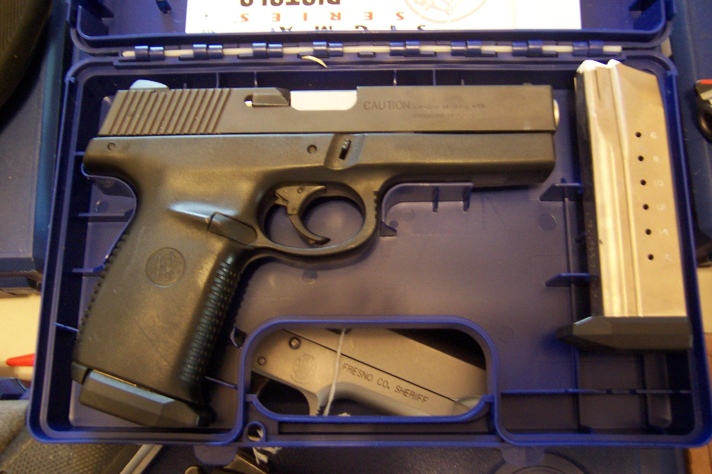 S&W  SW9F  Guns > Pistols > Smith & Wesson Pistols - Autos > Alloy Frame
