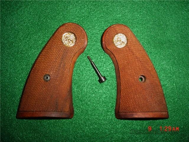 Colt Python Service Grips Original Vintage (Cut Out Back) 45 years OLD  Non-Guns > Gunstocks, Grips & Wood