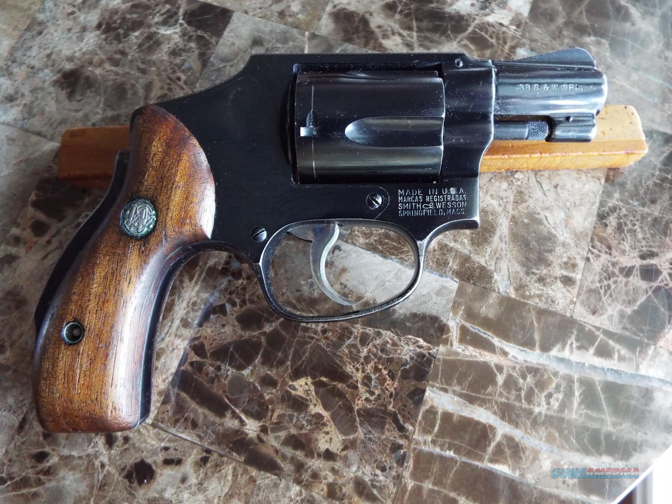 S&W Smith & Wesson Model 40 Centennial 38 Spl.  Nice!   LAYAWAY OPTION  Guns > Pistols > Smith & Wesson Revolvers > Small Frame ( J )