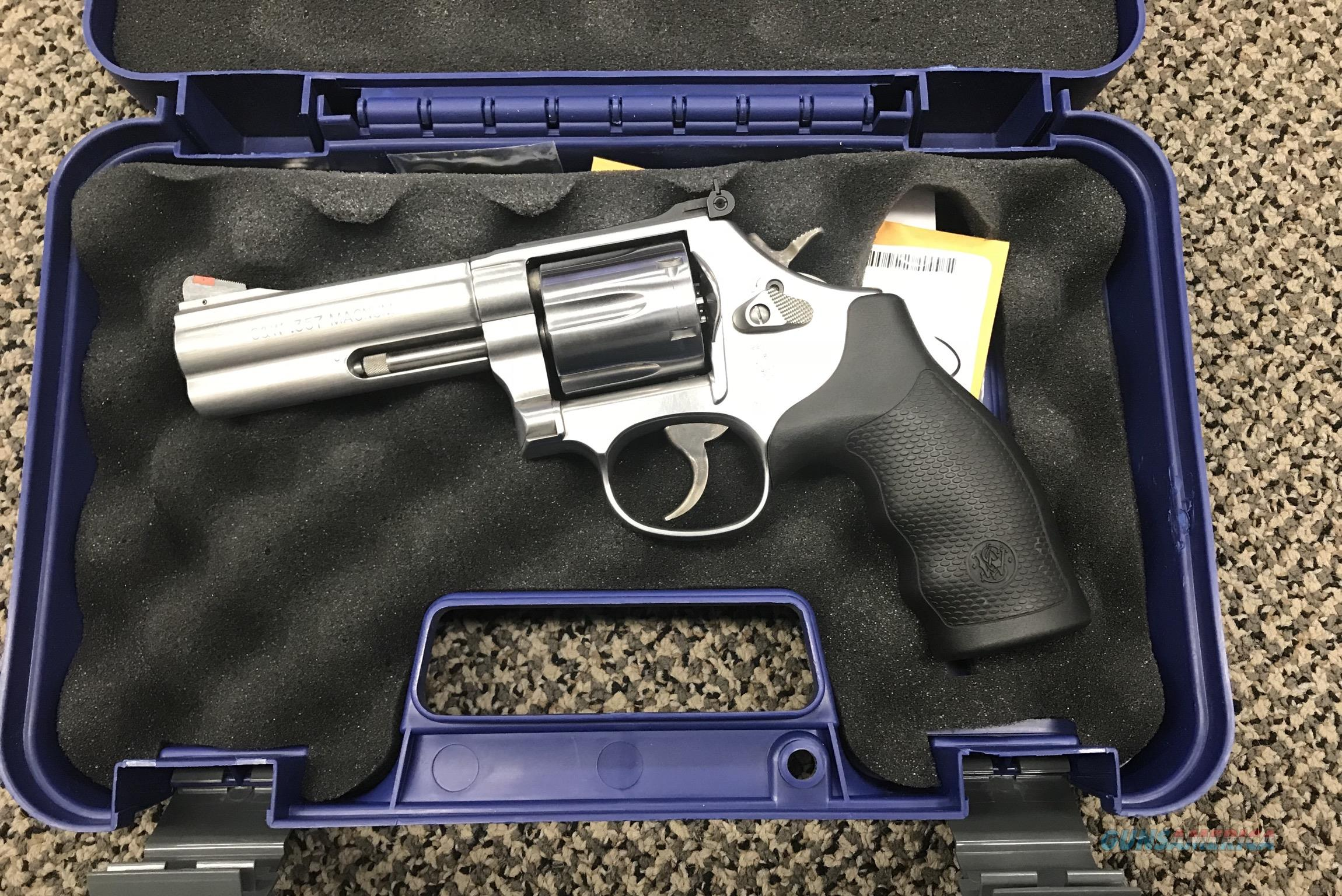 S&W MODEL 686 .357 MAGNUM 4 INCH STAINLESS MINT  Guns > Pistols > Smith & Wesson Revolvers > Full Frame Revolver