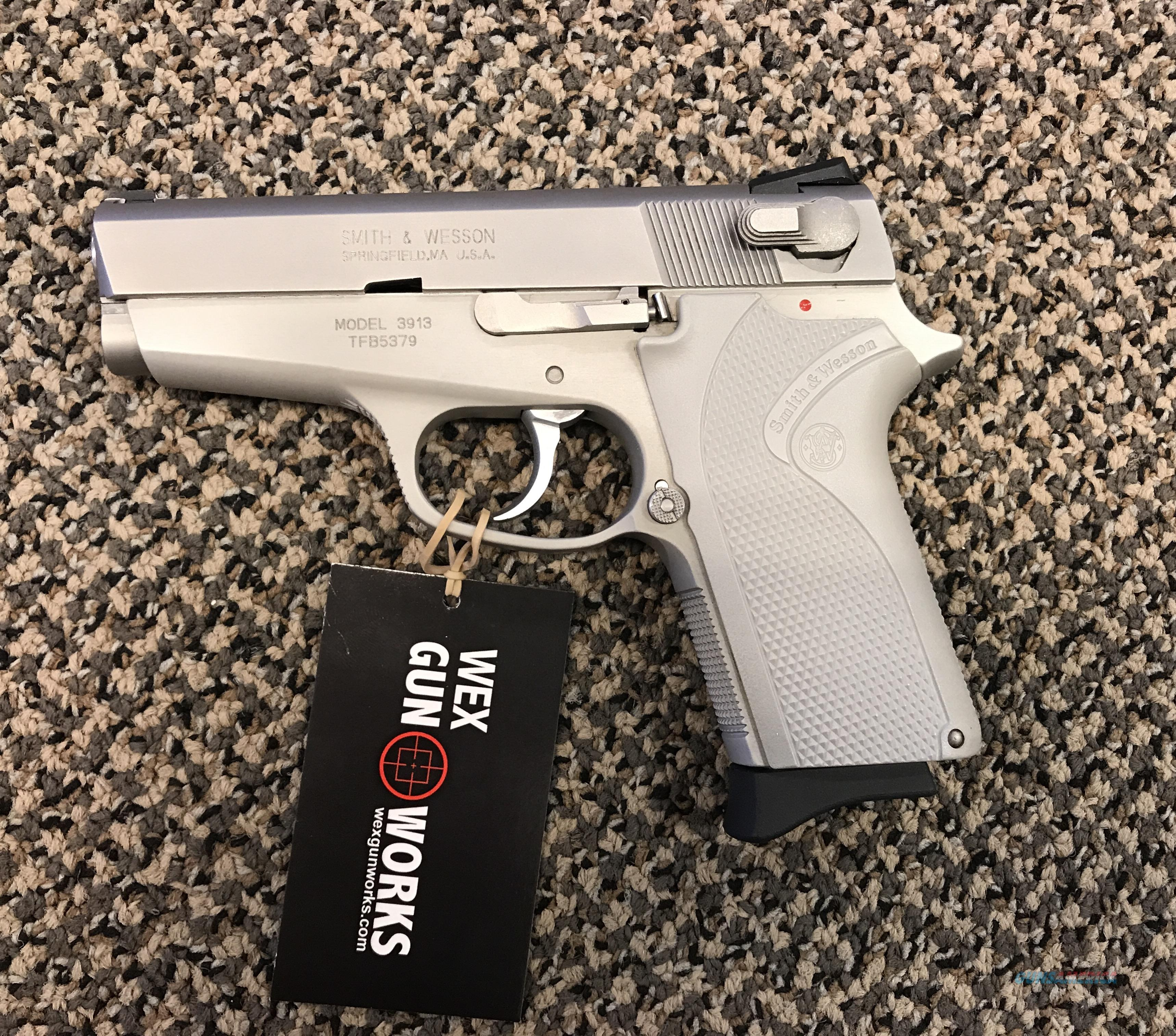 S&W 3913 LADYSMITH 9MM BRUSHED STAINLESS MINT  Guns > Pistols > Smith & Wesson Pistols - Autos > Steel Frame