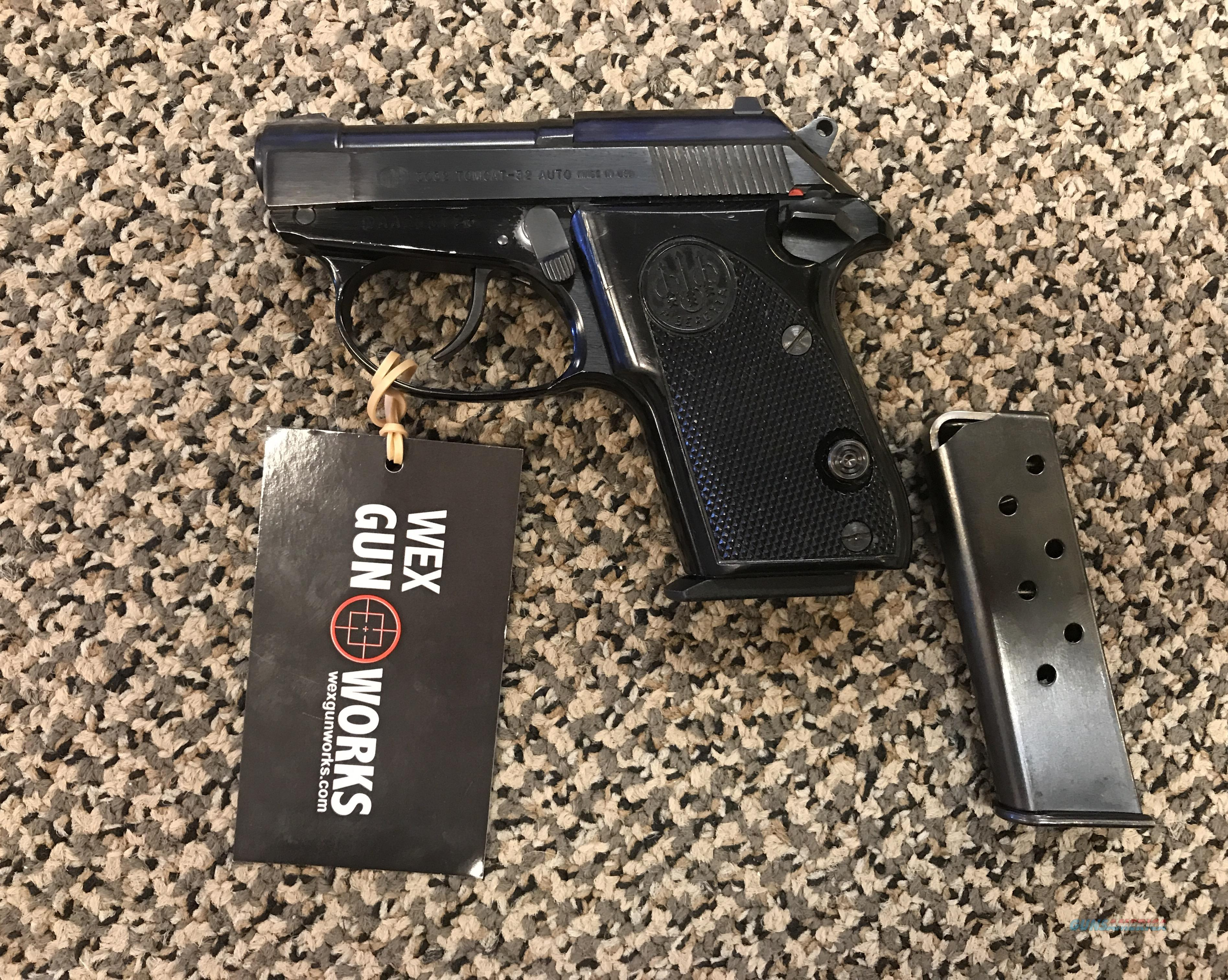 BERETTA 3032 TOMCAT 32 ACP COMES WITH TWO MAGAZINES  Guns > Pistols > Beretta Pistols > Small Caliber Tip Out