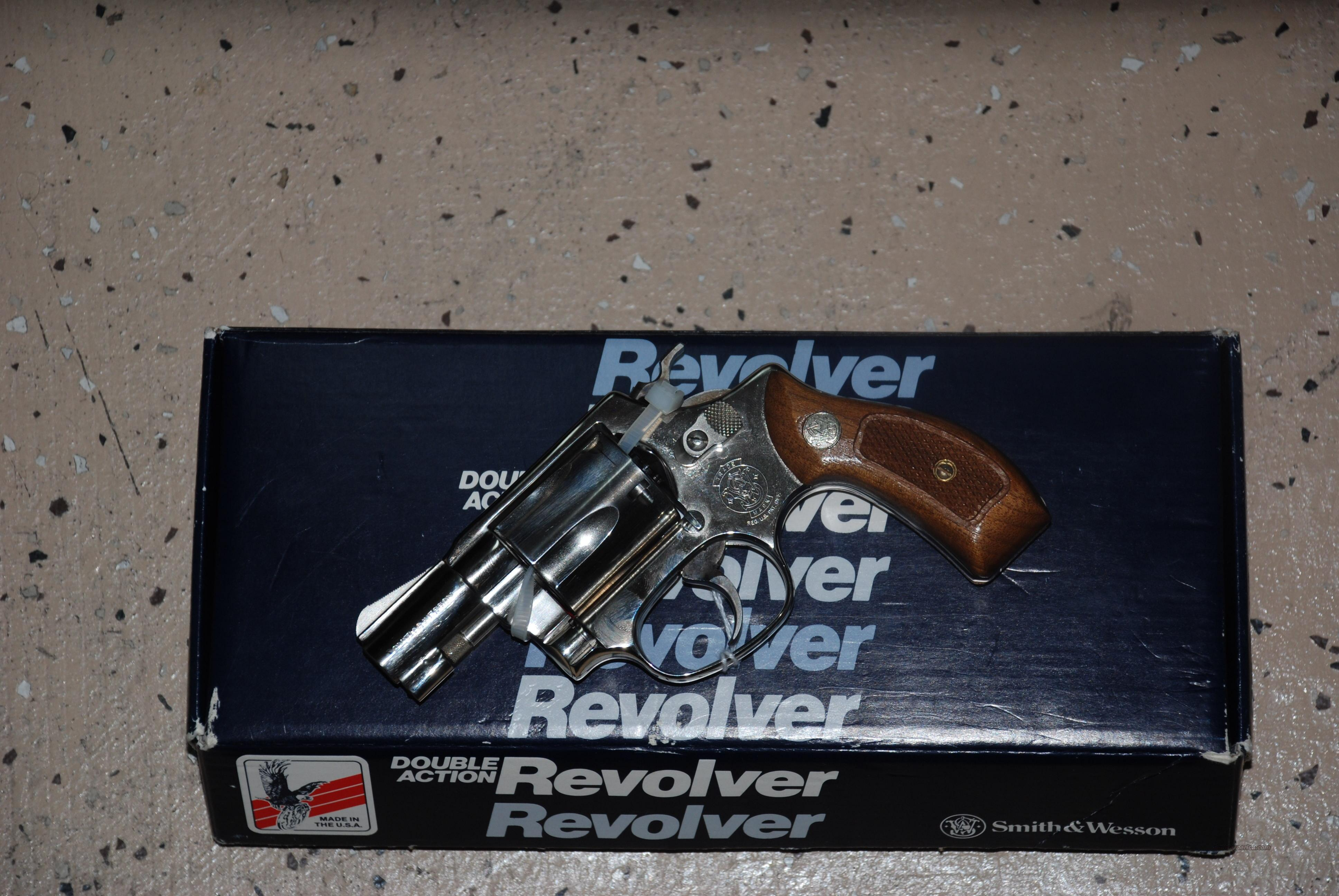 SMITH AND WESSON MODEL 37 AIRWEIGHT NICKEL FINISH  Guns > Pistols > Smith & Wesson Revolvers > Pocket Pistols