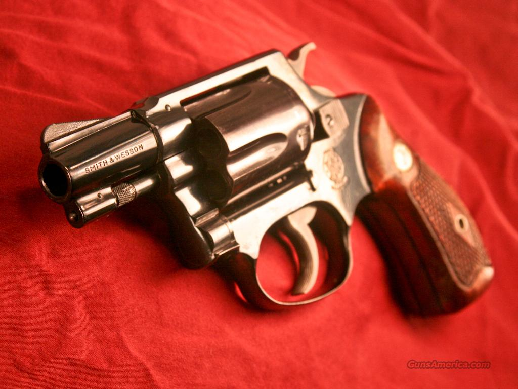 Smith & Wesson Model 36 Chief's Special (.38 Special Revolver)  Guns > Pistols > Smith & Wesson Revolvers > Full Frame Revolver