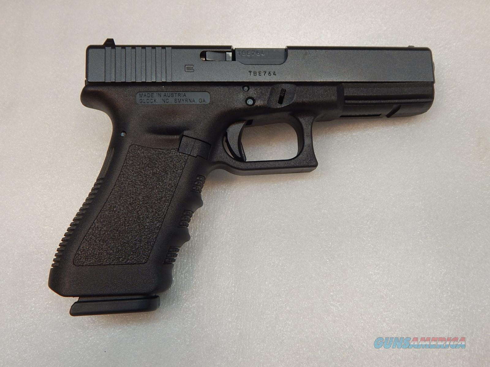 Glock 17 - Gen 3 - 2 Mags - Excellent Condition  Guns > Pistols > Glock Pistols > 17