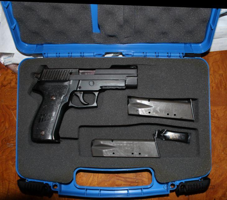 Sig Sauer P226 40SW LE Trade In (3) 12rd Mags BLK Stainless Slide, Rail Model  Guns > Pistols > Sig - Sauer/Sigarms Pistols > P226