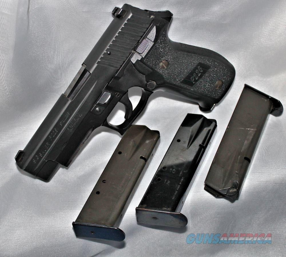 Sig Sauer P226 40SW LE Trade In (4) 12rd Mags BLK Stainless Slide, Rail Model  Guns > Pistols > Sig - Sauer/Sigarms Pistols > P226