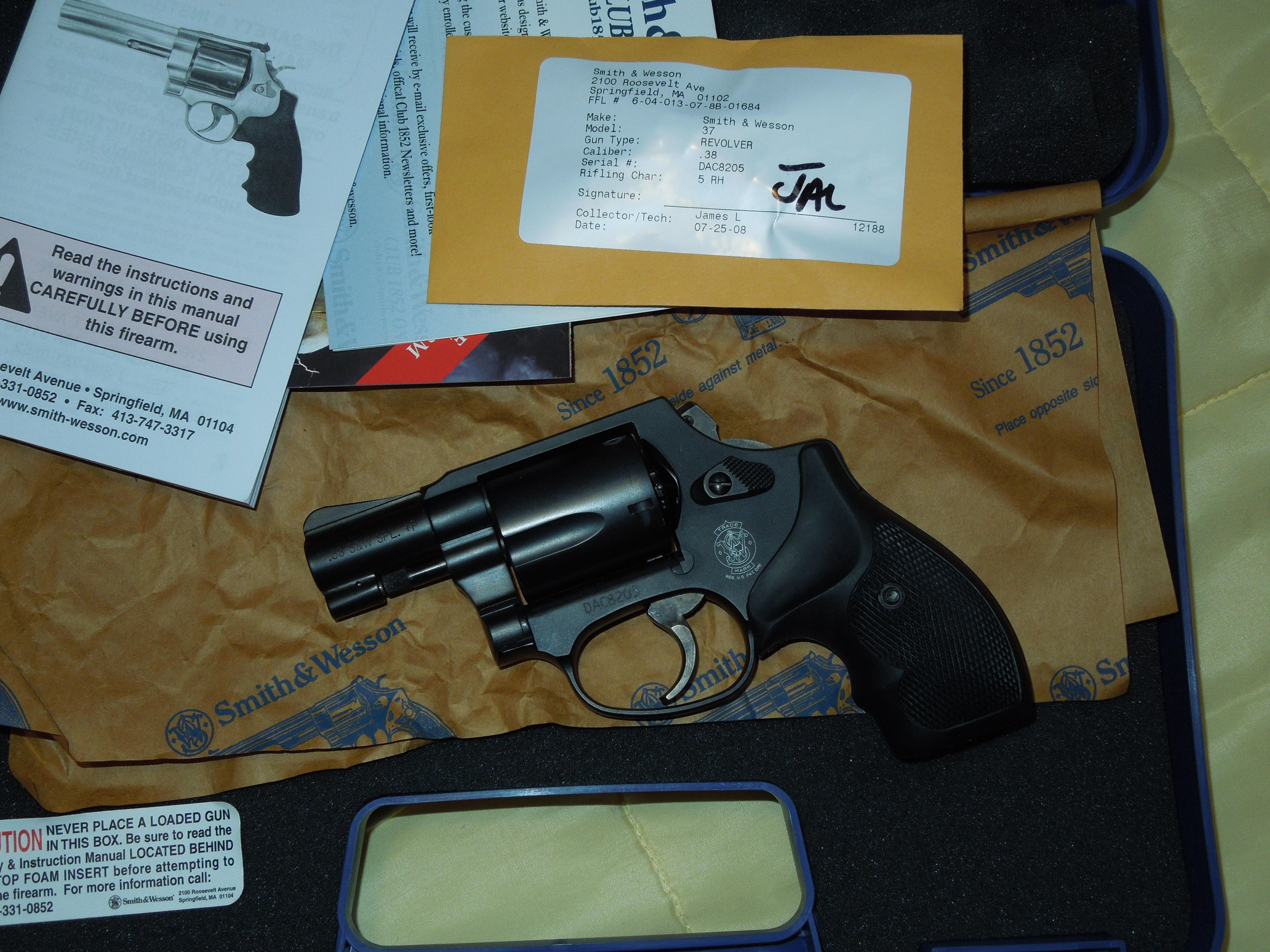 smith and wesson 37-2 airweight 38 special  Guns > Pistols > Smith & Wesson Revolvers > Pocket Pistols