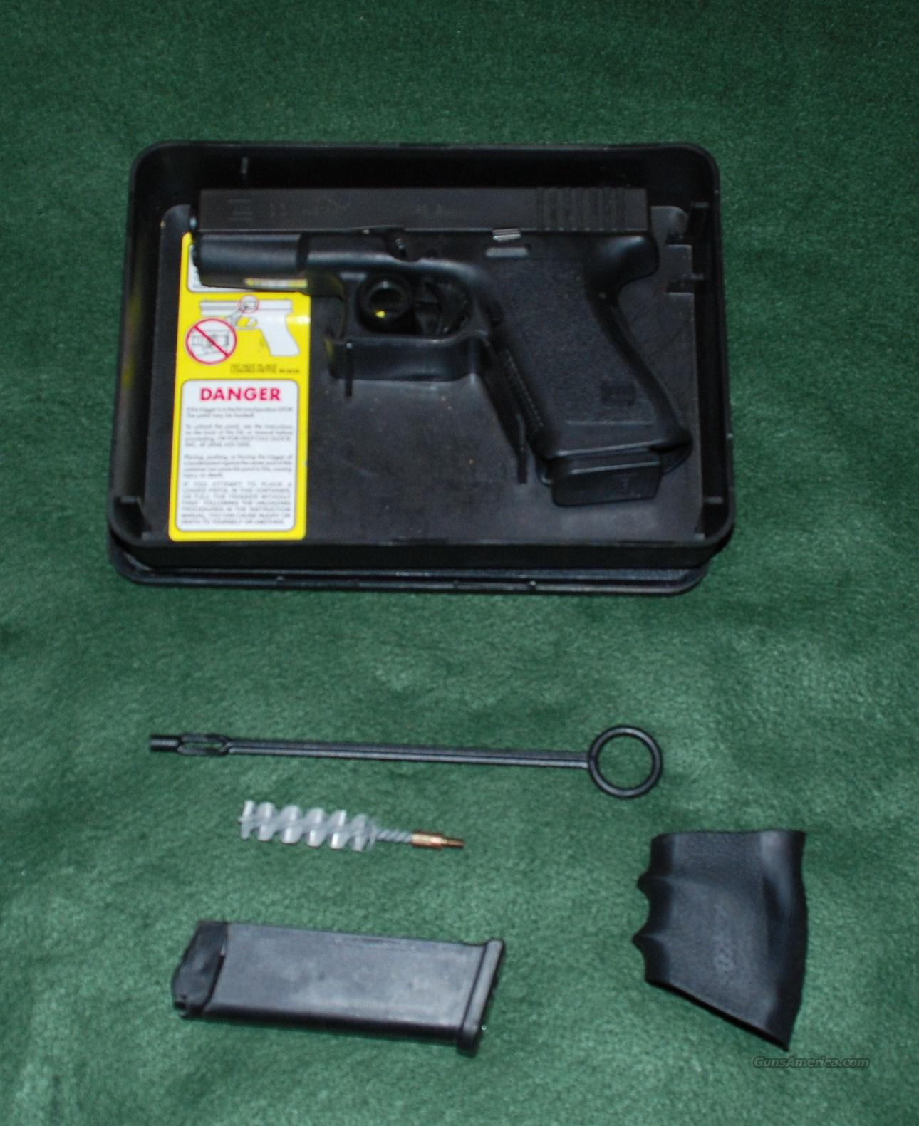 Glock Model 23 with FXD Nite Sights  Guns > Pistols > Glock Pistols > 23