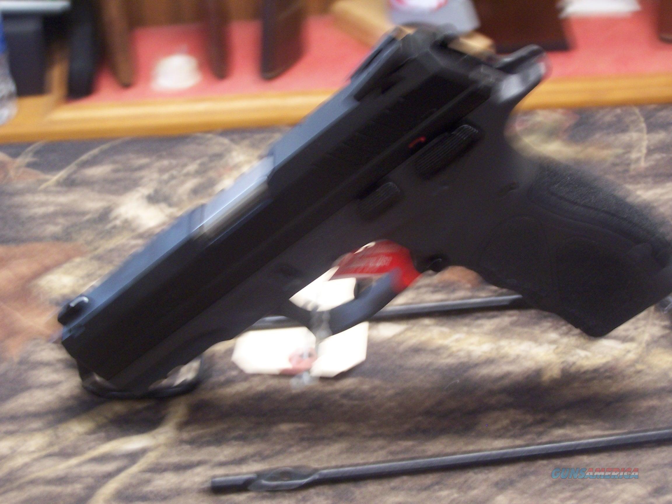 "Taurus TH9 9mm 4.27"" Hammer Fired Pistol, Black. NIB !!!  Guns > Pistols > Taurus Pistols > Semi Auto Pistols > Polymer Frame"