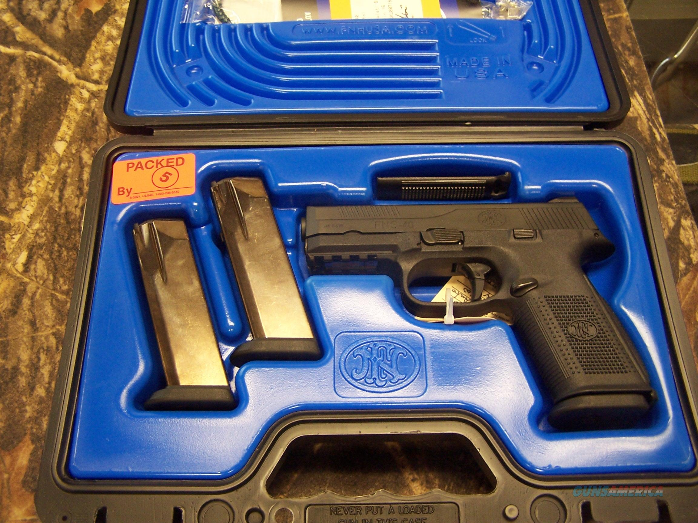 "FN  FNS .40S&W 4"" barrel Black (3) 14rd mags - NO MANUAL SAFETY ! NIB!!!  Guns > Pistols > FNH - Fabrique Nationale (FN) Pistols > FNS"